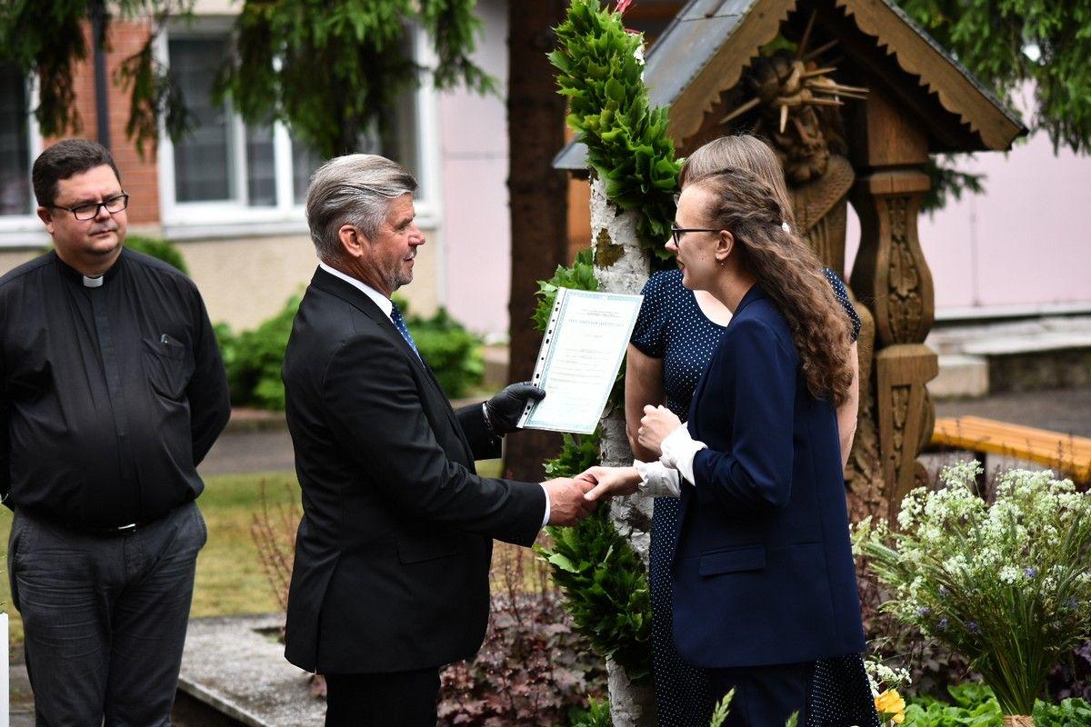 Valioooo! Diplomus gavome, einame į priekį! (2)